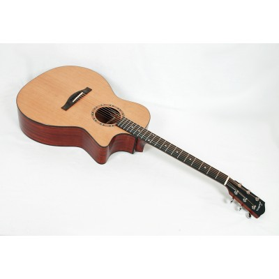 Eastman AC122-2CE Solid Cedar / Sapele Grand Auditorium with Fishman Sonitone Electronics and Gig Bag #00886