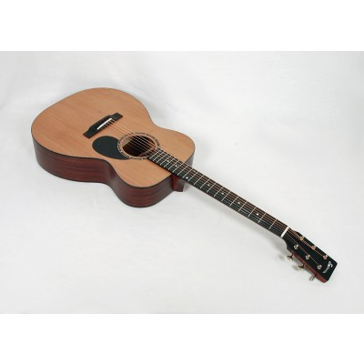 Eastman E2OM-CD Solid Sapele Orchestra Model with Soft Case #23571