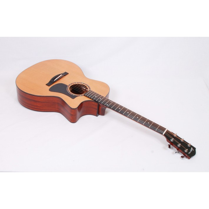 Eastman AC122-2CE Solid Cedar / Sapele Grand Auditorium with Fishman Sonitone Electronics and Gig Bag #56404