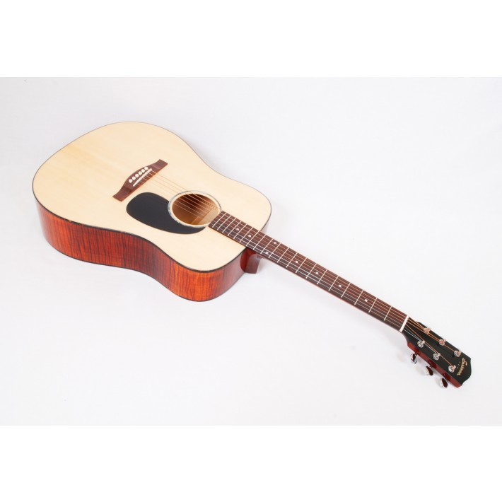 Eastman PCH3-D-CLA Maple Limited Dreadnought With Case - #00570