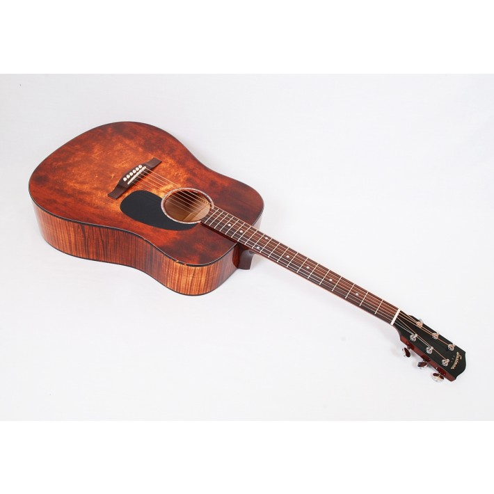 Eastman PCH3-D-CLA Maple Classic Limited Dreadnought With Case - #01249