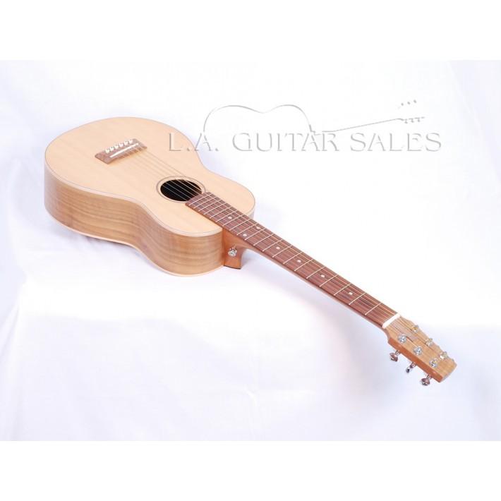 Go Guitars Go Parlor II Walnut Spruce With Case
