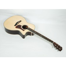 Eastman AC422CE Solid Sitka / Rosewood Grand Auditorium with LR Baggs Element EAS VTC Electronics and Case